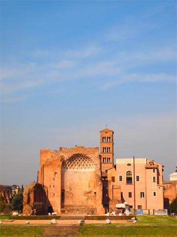 コロッセオから見えたフォロロマーノ