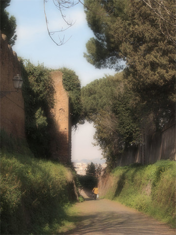 「マルタ騎士団の館」に行くまでの道の途中の横道。