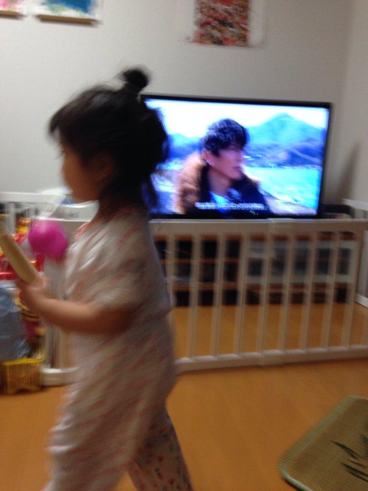 録画したポルさんの「SONGS」見ようとしたら「やきう!やきうするの!」と、すりこぎとボール持ってテレビ前でハッスルする娘。